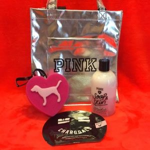Vs Pink Tote, Mask, Sponge & Body Wash Set NEW